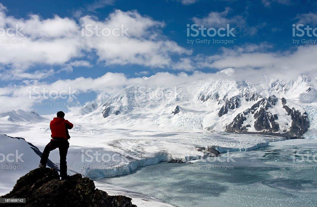 Antarctic explorer staring at new horizonts圖像檔