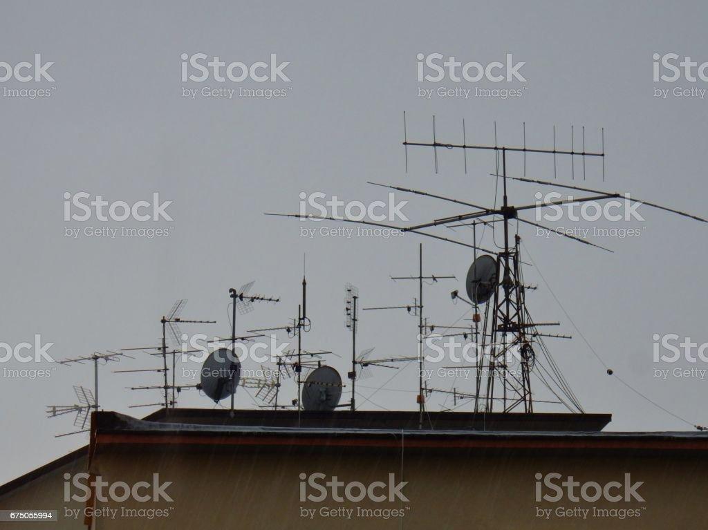 Antenne sotto la pioggia stock photo