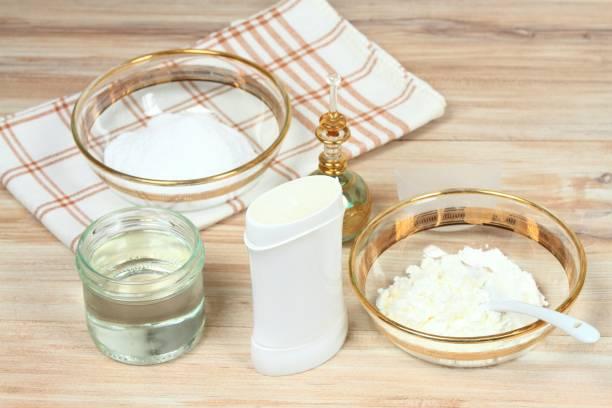 antibakterielle und natürliche hausgemachte deodorant - besteck günstig stock-fotos und bilder