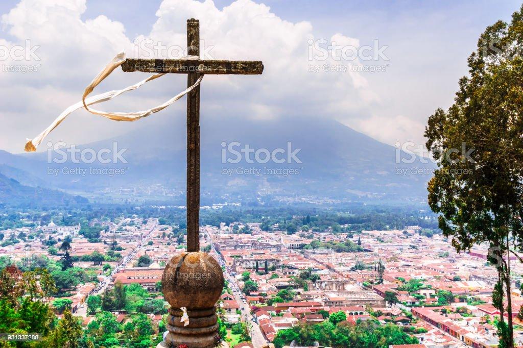 Antigua et volcan Acatenango du Cerro de la Cruz au Guatemala - Photo