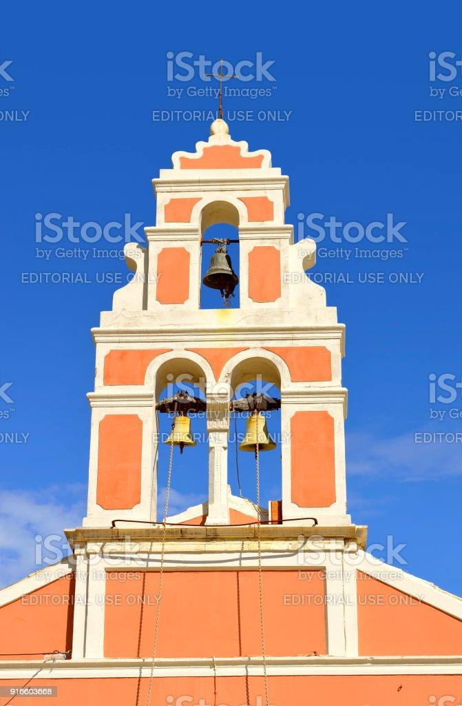 Torre do sino da Igreja do Porto Antipaxos - foto de acervo