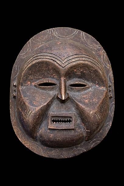 alte afrikanische maske - afrikanische masken stock-fotos und bilder