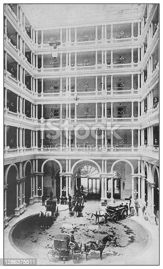 Antique black and white photo of the United States: Court of Palace Hotel, San Francisco