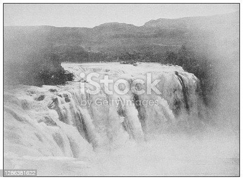 Antique black and white photo of the United States: Shoshone falls