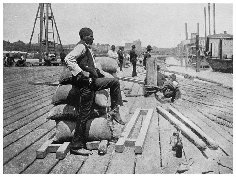 Antique black and white photo of the United States: Wharf, Lower Red River