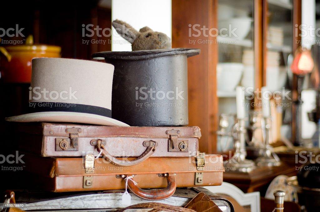 앤틱형 서류 가방, 모자 스톡 사진