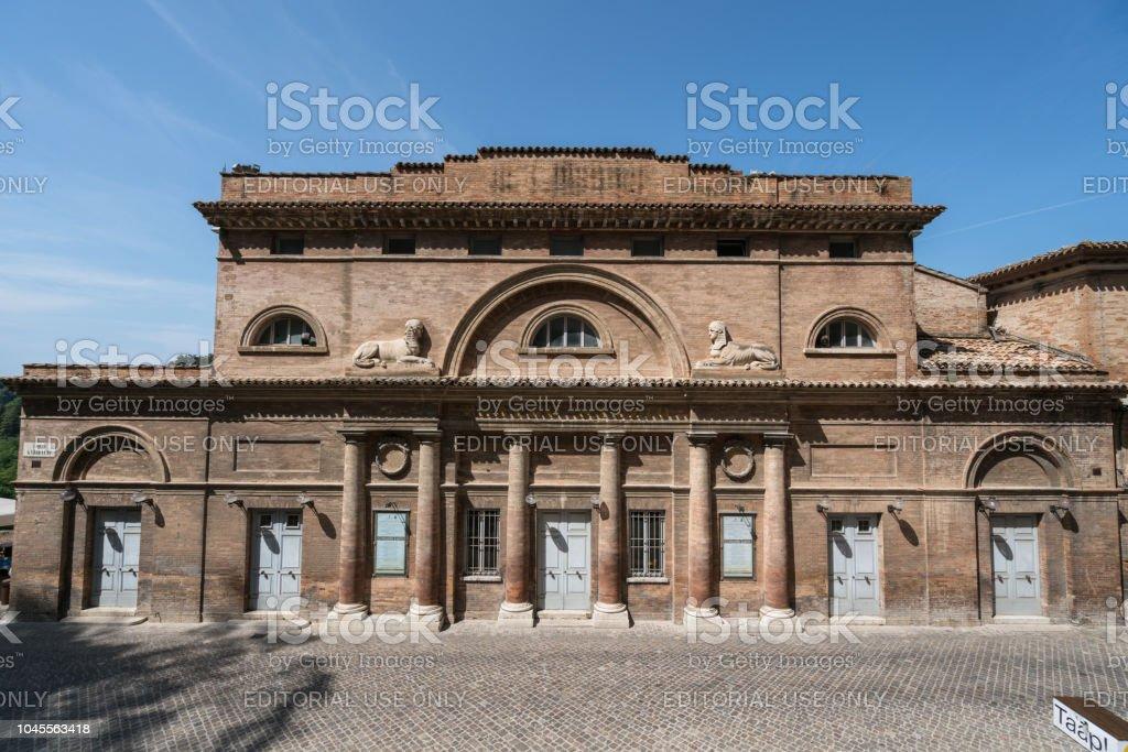 Bulding antigo em Urbino - foto de acervo