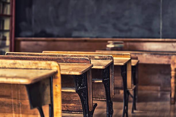 Antikes Klassenzimmer Student Schreibtisch – Foto