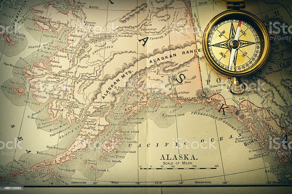 Antique Compass Over Old Xix Century Map Stock Photo IStock - Antiques us maps with compass