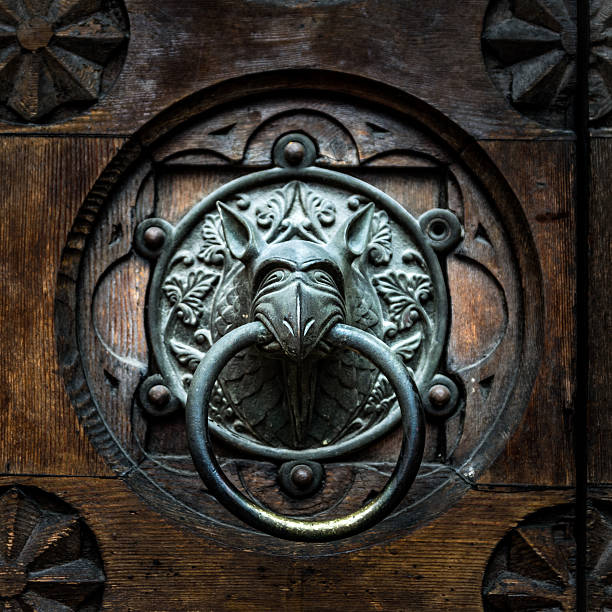 Antique door knocker shaped monsters head picture id618533188?b=1&k=6&m=618533188&s=612x612&w=0&h=kgzahbt4n9le7z4x7wilpi7t0wxbzlgoinaso9u7cic=