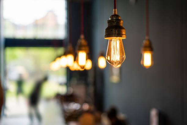 工場のアンティーク電子装飾ランプ - 室内装飾 ストックフォトと画像