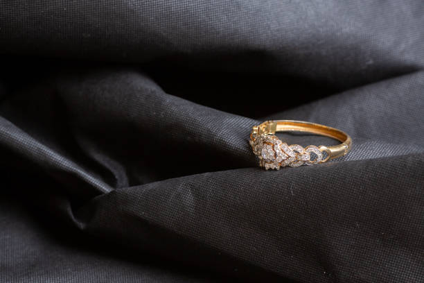 Cтоковое фото Antique gold bangle with diamonds