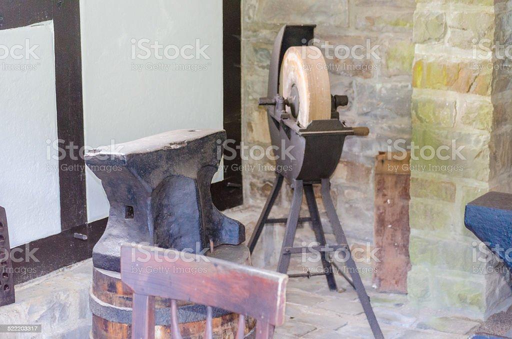 Antiker Schleifstein, Schleifbock stock photo