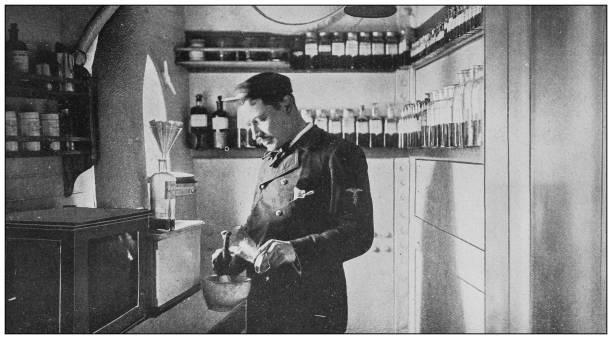 antique des photographies historiques de l'us navy et l'armée: dispensaire à la «indiana» - photos de pharmacie photos et images de collection