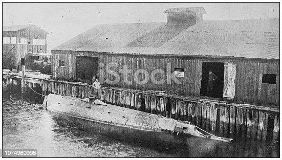 Antique historical photographs from the US Navy and Army: Holland submarine torpedo boat