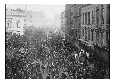 Antique London's photographs: Political demonstration on the way to Hyde Park
