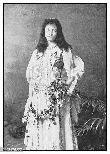 Antique photo: Actress Cissy Loftus as Haidee in
