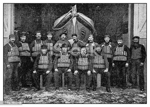 Antique photo: Crew of Irvine Lifeboat