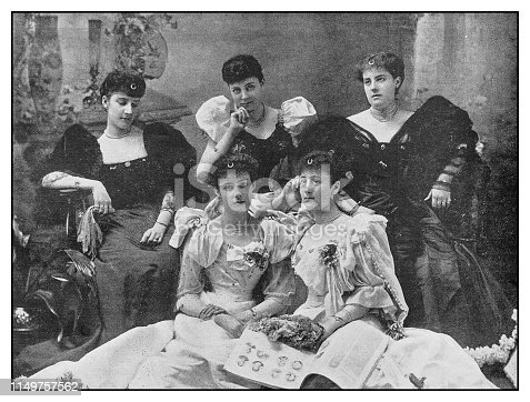 Antique photo: Five sisters, misses Spencer-Brunton