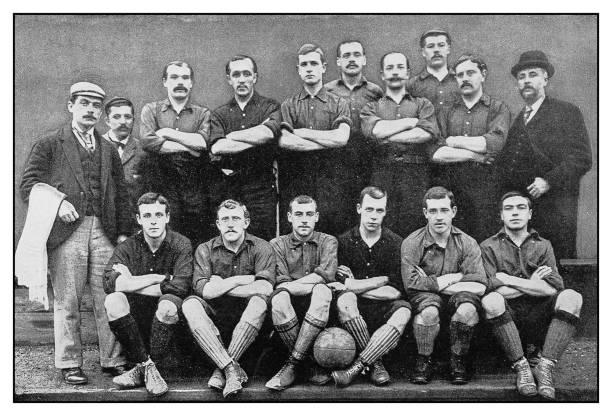 antyczne zdjęcie: piłka nożna drużyny, nottingham forest - archiwalny zdjęcia i obrazy z banku zdjęć
