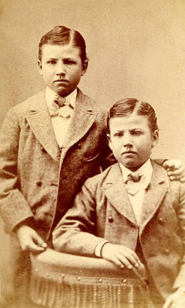 Alte Foto von zwei jungen, ca. 1890 – Foto