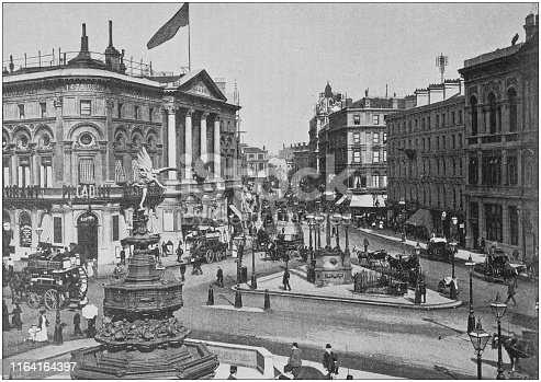 Antique photo: Piccadilly Circus