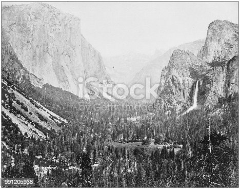 Antique photograph of America's famous landscapes: Yosemite Valley from Artist's Point