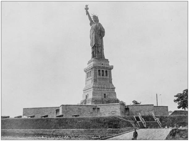 Antique photograph of worlds famous sites statue of liberty picture id906875340?b=1&k=6&m=906875340&s=612x612&w=0&h=qp0kbj92lylykxqonbnyynhtipfg1bk9qqpwufenzh0=