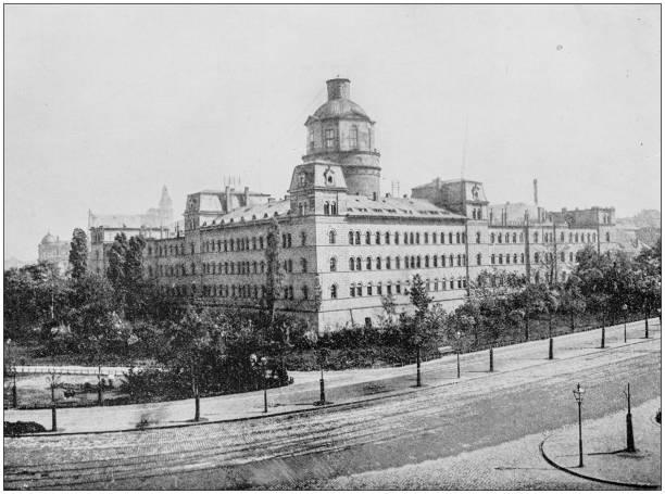 antikes foto des weltweit berühmten sehenswürdigkeiten: universitätsgebäude, liepzig, deutschland - leipzig universität stock-fotos und bilder