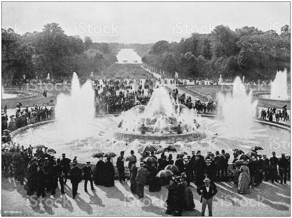 Antique photo des sites célèbres du monde : Fontaine de Versailles - Photo de 1890 libre de droits