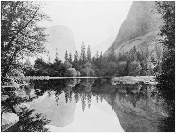 antique photo des sites célèbres du monde: yosemite valley mirror lake - lac mirror lake photos et images de collection