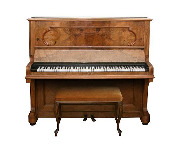 piano ancien avec chemin - piano photos et images de collection