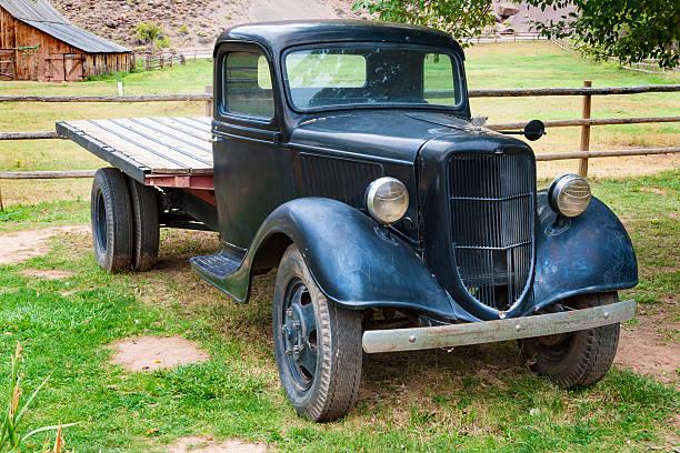 antike abholung ford - alte wagen stock-fotos und bilder