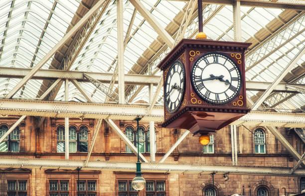 古董站時鐘 - 火車站 個照片及圖片檔
