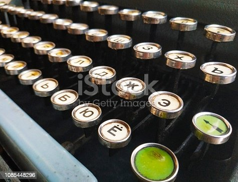 istock Antique typewriter 1085448296