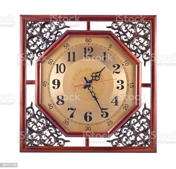 Foto de Antigo Relógio De Parede Com Moldura De Madeira Talhada e mais fotos de stock de Antigo