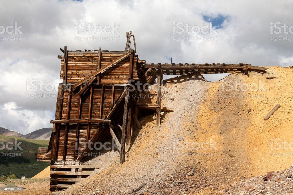 Estructura De Madera Antiguos De La Minería En Una Abandonada Mina ...