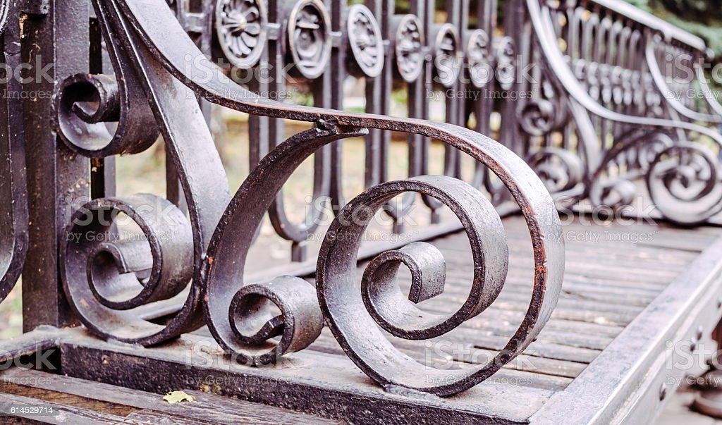 Antique wrought Park bench - foto de stock