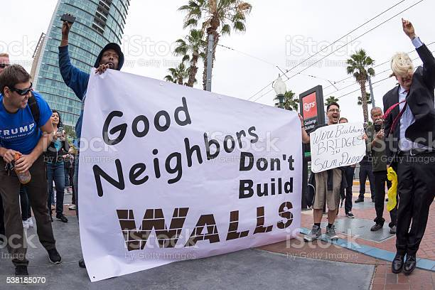 Antitrump protesters against the wall picture id538185070?b=1&k=6&m=538185070&s=612x612&h=vw5xm7nlptjtpldyb1jaa 6uz3wc55bm6mk5zi8uqri=