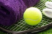 テニスのためのだれでもか。