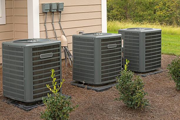 Apartment-Gebäude Klimaanlage-Einheiten – Foto