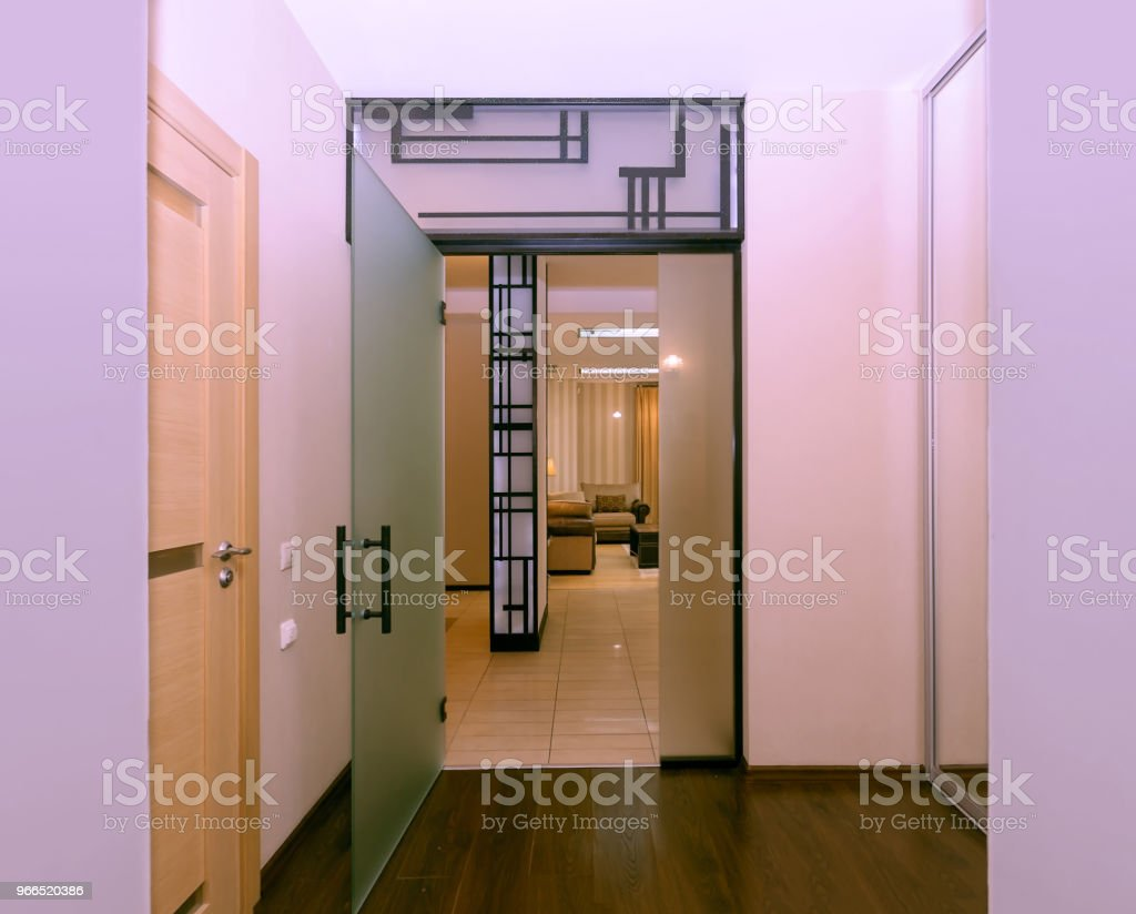 Photo de stock de Couloir Dentrée De Luxe Appartement De Couleur ...