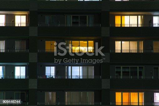 istock Apartment 909446244