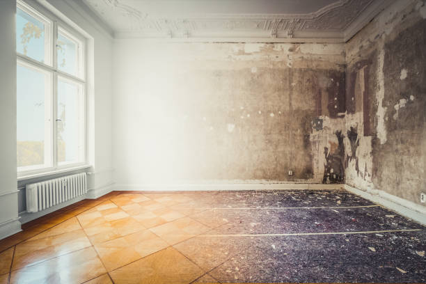 Wohnzimmer während der Renovierung, vor und nach der Renovierung/Renovierung- – Foto