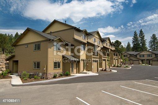 176823773 istock photo Apartments daytime exterior 471093411