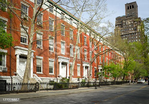 istock Apartments in front of Washington Sq. Park, NY 177228857