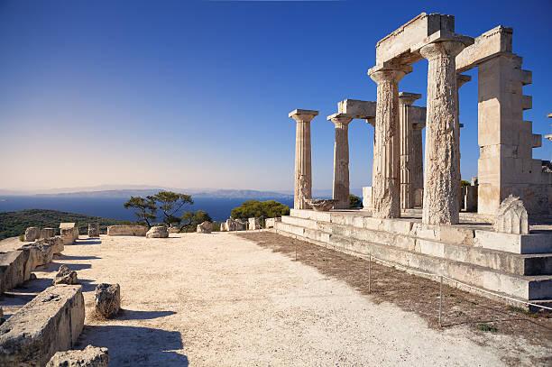 Aphaia temple sur l'île Egine, en Grèce - Photo