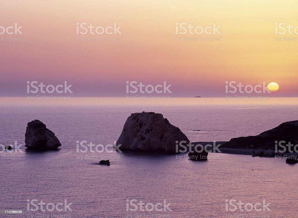 Aphrodites rock al atardecer, de Chipre. - foto de stock