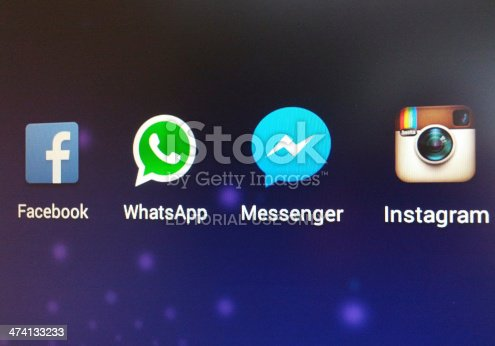 app facebook instagram messenger and whatsapp icons
