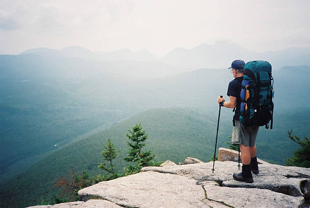 appalachian trail hiker (the journey) - new hampshire stockfoto's en -beelden